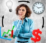 Mulher pensando em como melhorar a produtividade