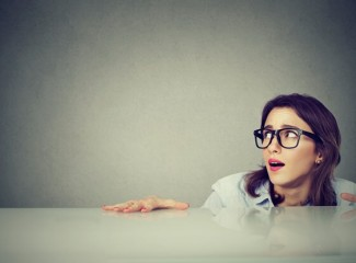 profissional tímida e introvertida